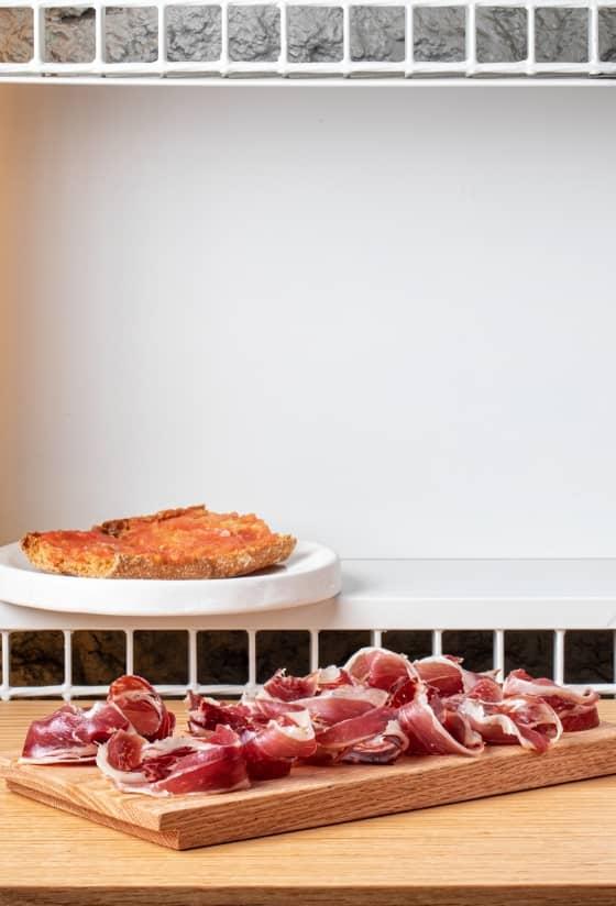 Jamón ibérico y pan con tomate (100gr)